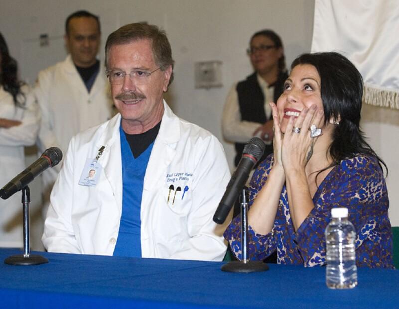 Con lagrimas en los ojos, la rockera agradeció el apoyo de su familia, médicos y sus seguidores, sin el cual, dijo, no hubiera salido adelante.