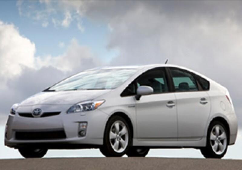 El Toyota Prius es uno de los coches híbridos con mejores ventas en el mercado. (Foto: Cortesía: CNNMoney)