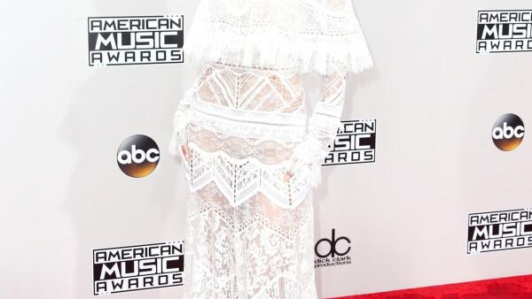 Las mejores vestidas de los American Music Awards 2016