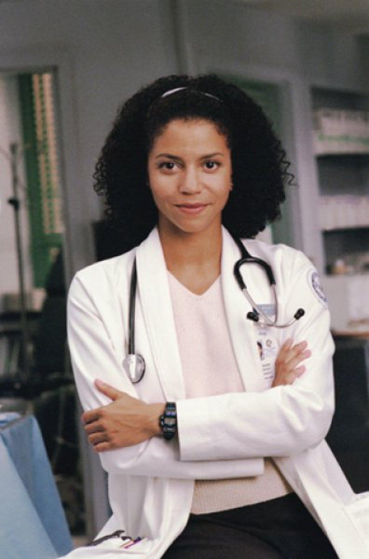 La actriz Gloria Reuben participó como la médico ayudante de Jeanie Boulet y estuvo durante 102 episodios, de 1995 a 2008.