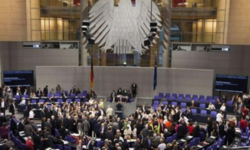 Los partidos de oposición acordaron respaldar el pacto fiscal a cambio de la creación de medidas de crecimiento y empleo. (Foto: Reuters)