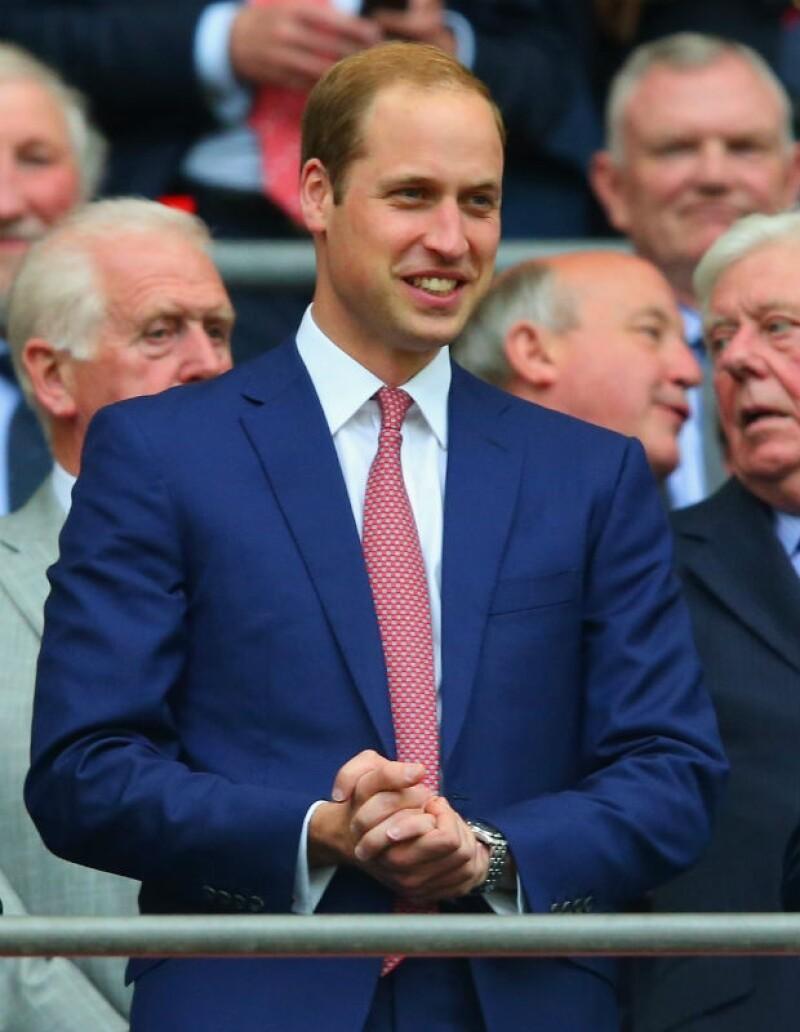 El Duque de Cambridge acudió al Estadio de Wembley para disfrutar de la selección inglesa y despedirla oficialmente antes de su partida a Brasil.