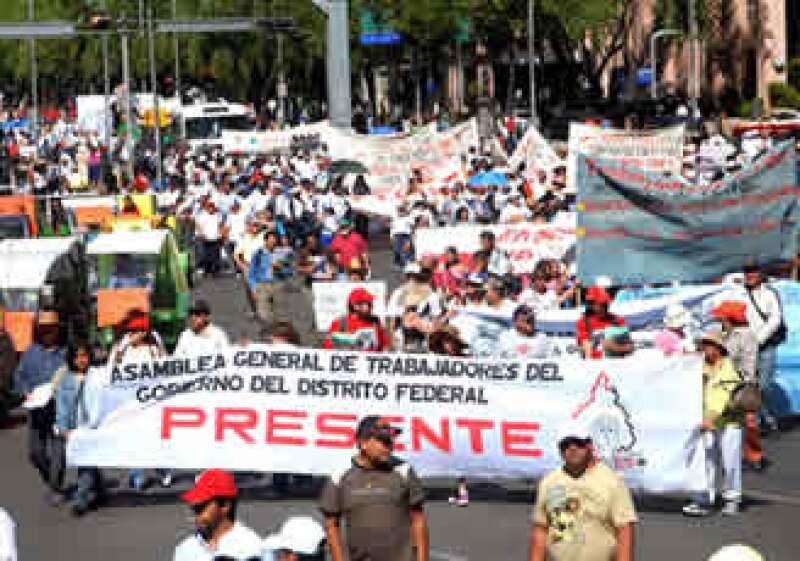 En el marco del Día del Trabajo, distintas organizaciones sindicales realizaron una marcha por las principales avenidas del Centro Histórico, la movilización concluyó con un mitin en el Zócalo de la Ciudad de México. (Foto: Notimex)