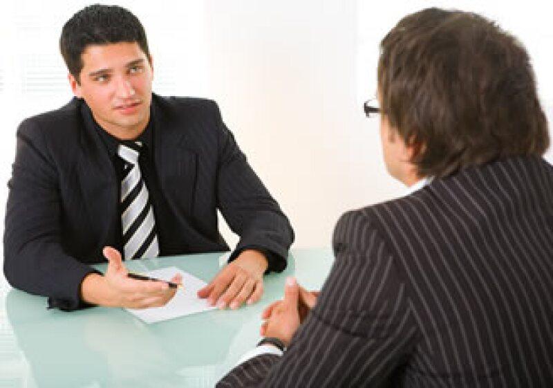 Una de cada 20 personas que cuentan con preparatoria o licenciatura están desempleadas, según el INEGI. (Foto: Jupiter Images)