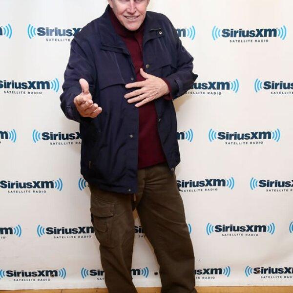 Gary Busey-  `Me gusta esto. Los zapatos metálicos combinan perfectamente con las placas de metal en su cabeza´.