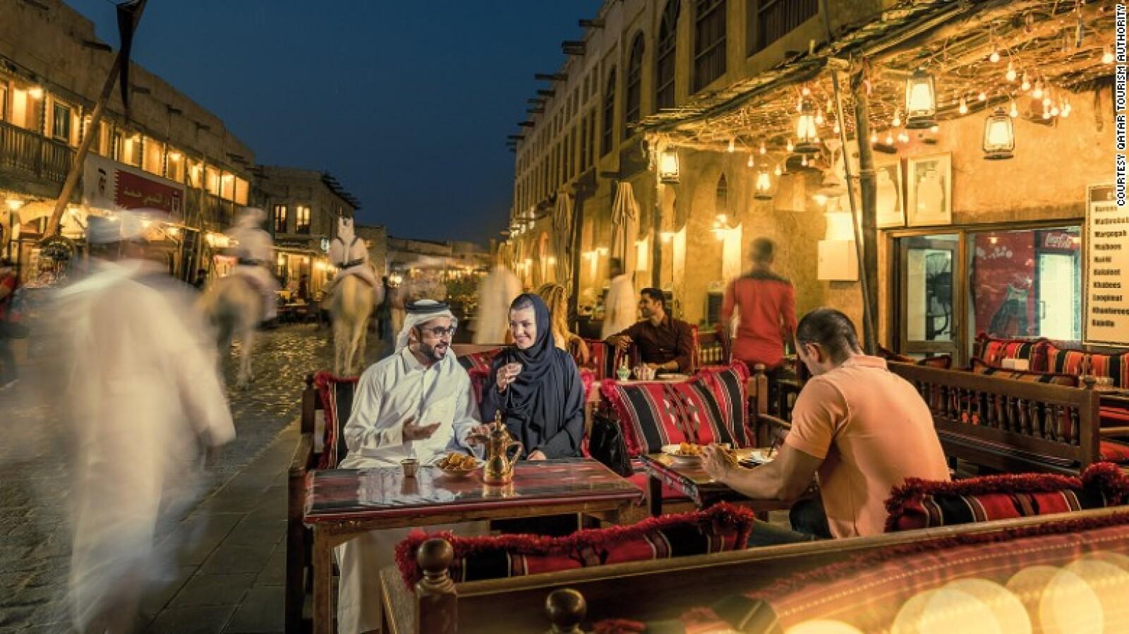 Visitar Qatar durante el Ramadán, cuando la ciudad cobra vida por la noche.