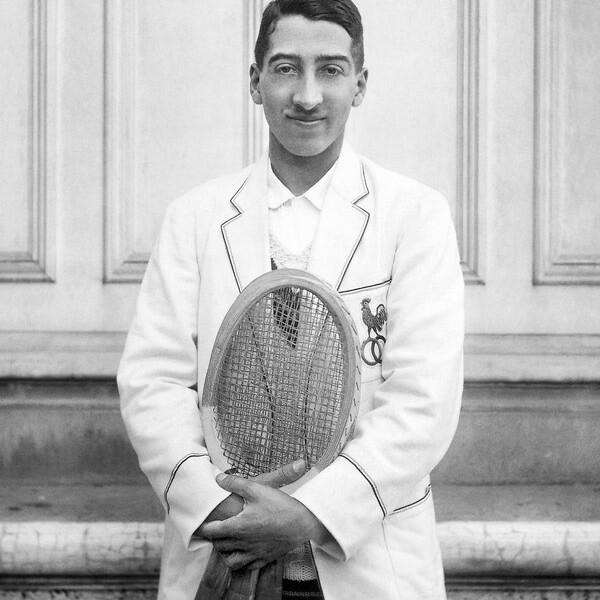 René Lacoste con la chaqueta de la armada de Francia en los añ