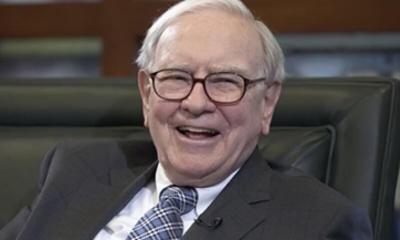 En enero pasado, Warren Buffett donó una suma adicional de 30,000 dólares para el Comité Nacional Demócrata. (Foto: AP)