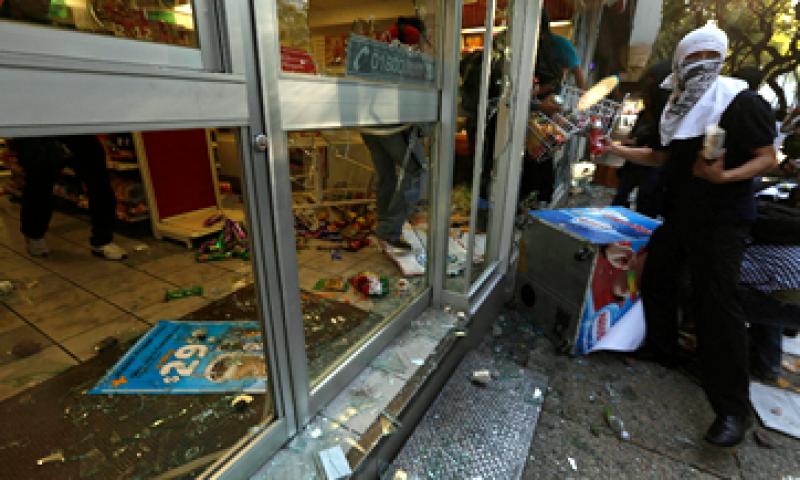 La Cruz Roja Mexicana indicó que atendió a 51 personas heridas durante la marcha. (Foto: Reuters)