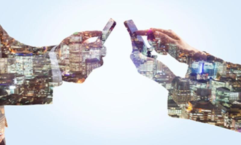 AMóvil y Telefónica enfrentan el desafío de mejorar sus redes 3G mientras construyen la infraestructura para las 4G.  (Foto: Getty Images)