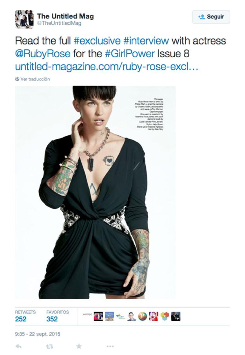 A pesar de la disputa entre la actriz y la revista, esta sigue promocionando el artículo en sus redes sociales.
