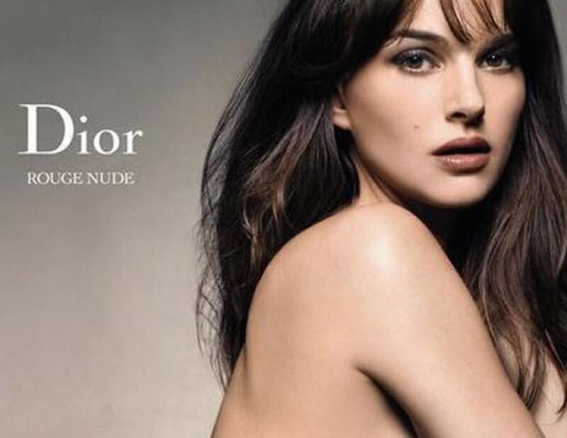 La actriz vuelve a protagonizar en las campañas publicitarias de Dior, mostrando su lado más sexy.
