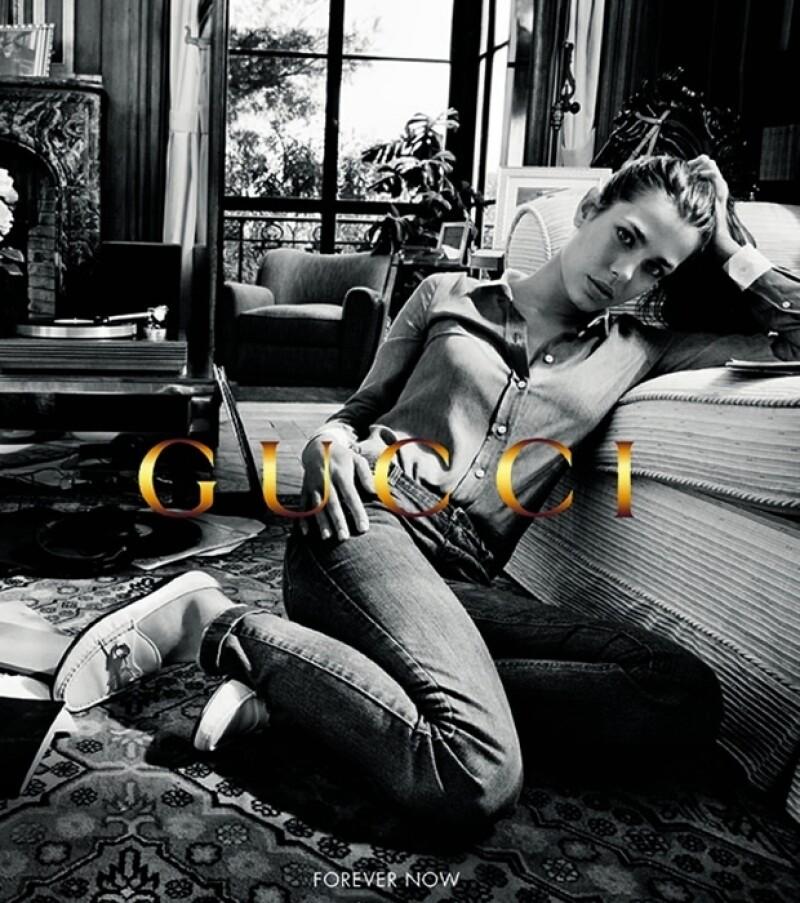 Carlota en la campaña de Gucci, Forever Now.