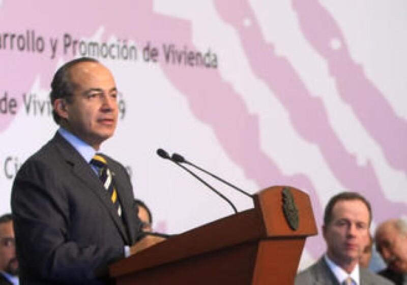 La crisis del 95 truncó los sueños de muchas familias de tener su propia casa: Felipe Calderón.  (Foto: Cortesía Presidencia)