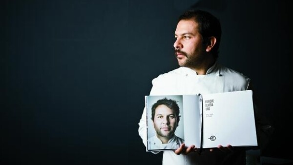El aclamado chef Enrique Olvera y su restaurante Pujol subió 19 largos escalones en la lista S. Pellegrino desde el lugar 36 que aseguró en 2012. Aquí sus primeras palabras luego del anuncio.
