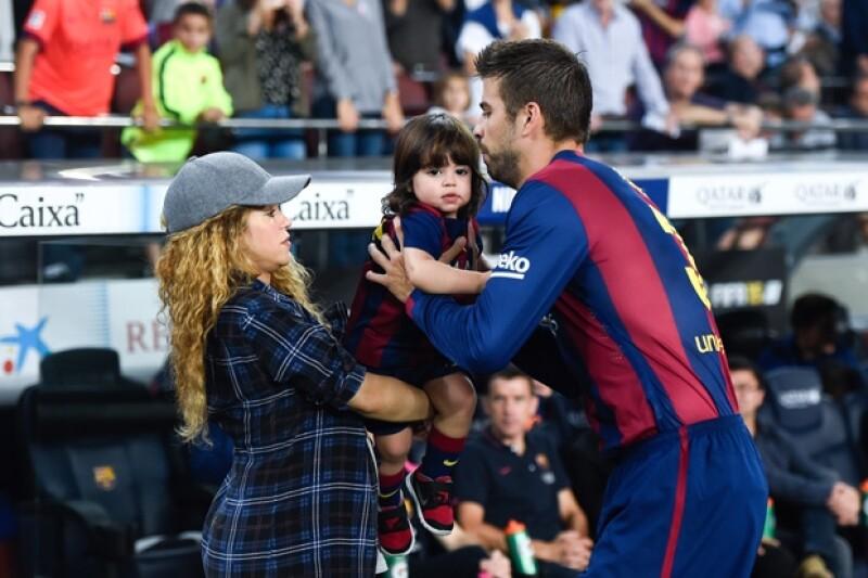Milan se ha vuelto en el acompañante de su mami cuando ven jugar a Piqué.