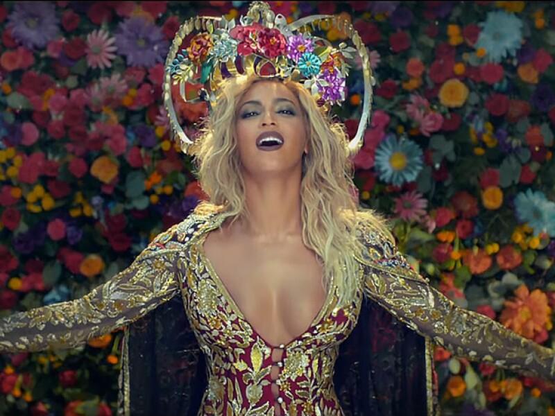 """La banda liderada por Chris Martin acaba de estrenar """"Hymn for the Weekend"""" y hay muchas razones por las que lo debes verlo, empezando por la participación de Beyoncé."""