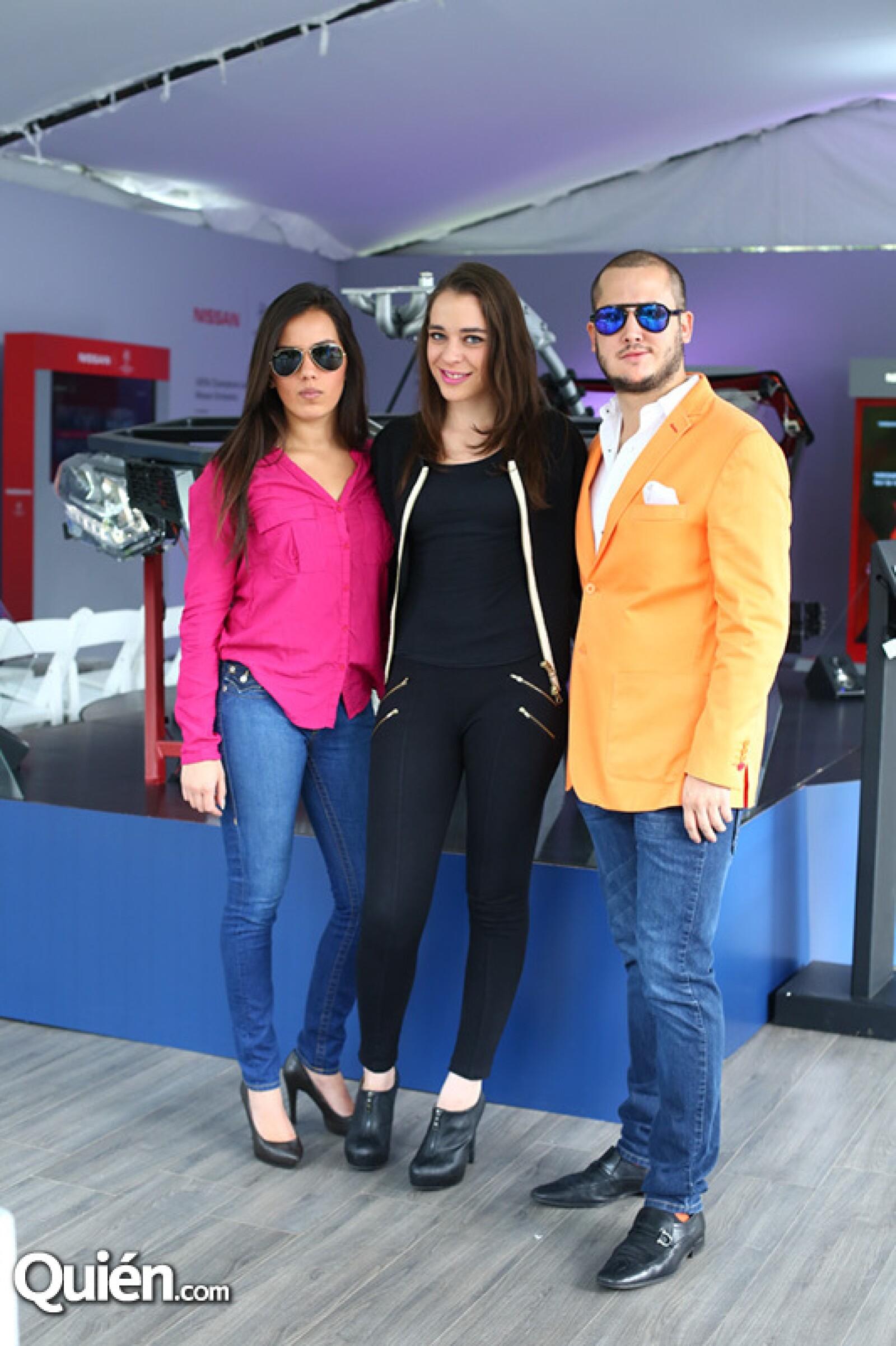 Valeria de Santiago, Pau Abreu y Alejandro Talavera