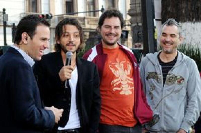 El lunes Carlos Loret de Mola les realizó una entrevista a Diego y a los hermanos Cuarón en Morelia para Primero Noticias.