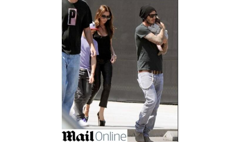 La esposa de David Beckham parece ir recuperando su estilo al vestir y sobre todo su porte. ¿Qué les parece?