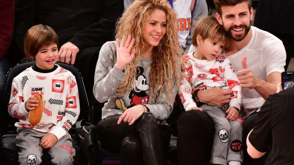 Shakira, Piqué con sus hijos Milan y Sasha