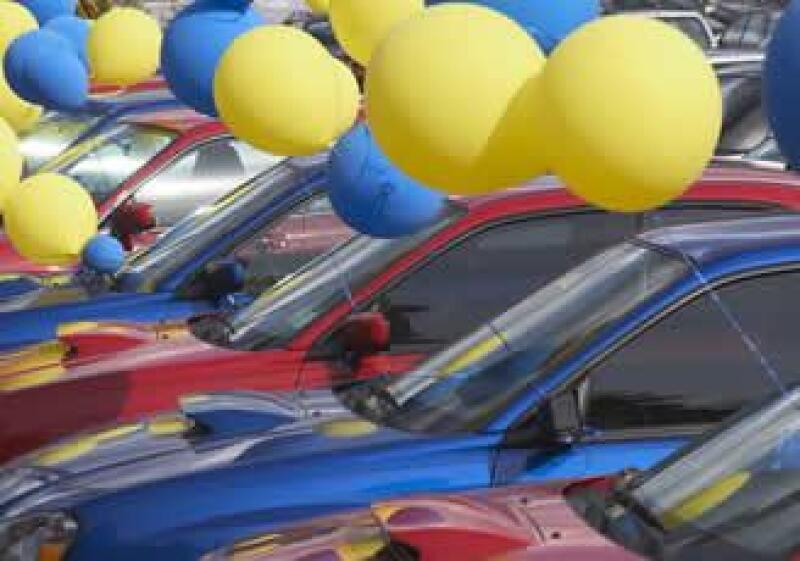 Venta de auto, comercio de autos, tienda de autos, coche, consumo, veh�culos, flotilla, carros