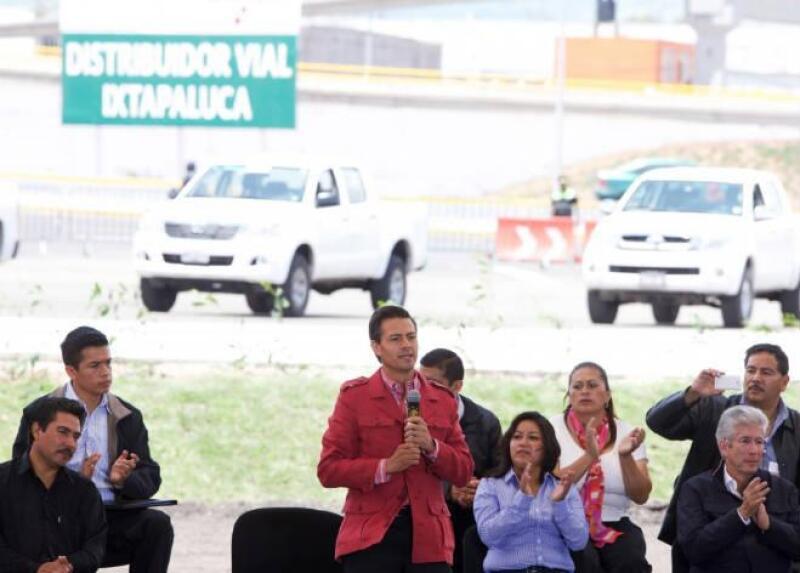 Pe�a Nieto inaugura el Distribuidor Vial Ixtapaluca