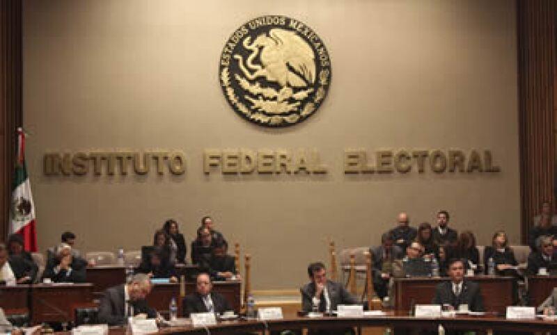 La distribución de recursos tendrá que modificarse si la autoridad electoral avala registrar a otros partidos. (Foto: Cuartoscuro)