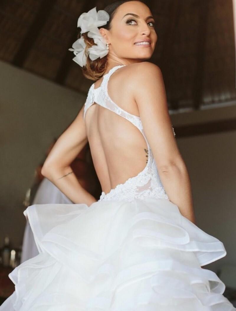 La novia lució súper guapa en un diseño del mexicano Benito Santos.