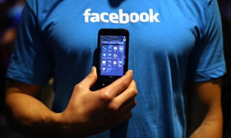 Facebook prohíbe el lenguaje que incita al odio. (Foto: Getty Images )