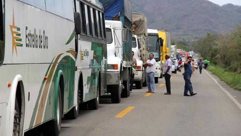 bloqueo_acapulco_zihuatanejo