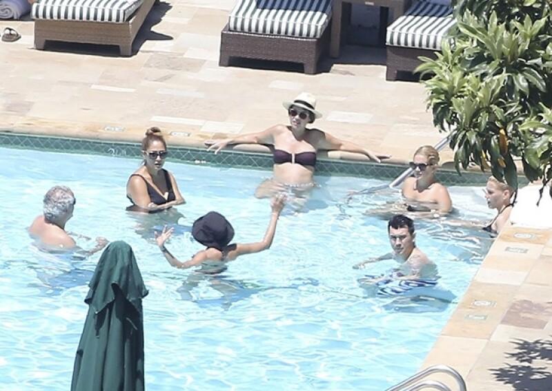 """La pareja se dio el """"sí"""" ayer en Montecito, California. Ofrecieron el viernes a sus invitados una parrillada previa en la que celebraron su compromiso y también el 4 de julio. Aquí los detalles."""