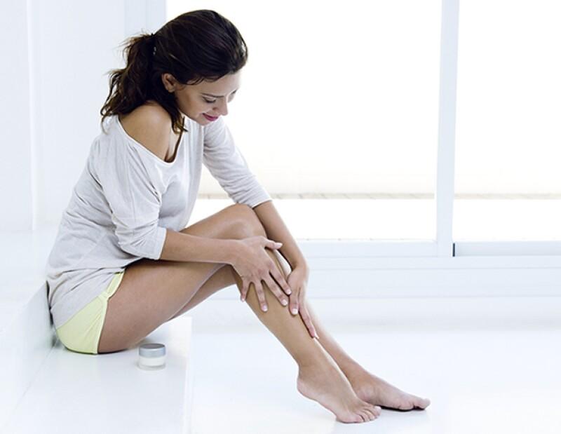 Usa aceite de coco para hacer crema corporal para hidratar, o bien, úsalo en aceite para eliminar resequedad.