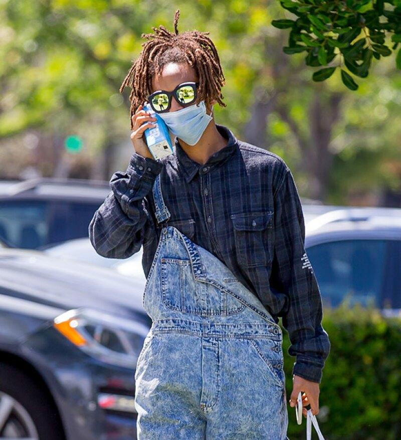 Si creías que usar anillos Cartier en el pelo era lo más raro que habías visto del hijo de Will Smith, tienes que ver los accesorios con los que lo captaron en Los Ángeles.