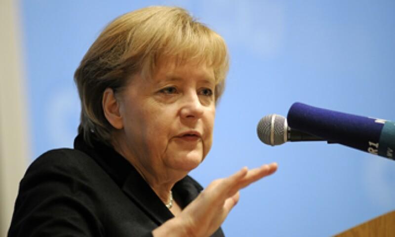 La líder alemana se reunió con miembros de su partido Unión Demócrata Cristiana. (Foto: AP)