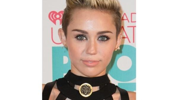 Mediante una carta, la cantante quiere pedirle perdón a su ex por no haber sido justa con él. Según una fuente, Miley desea darle este escrito a Liam en persona.