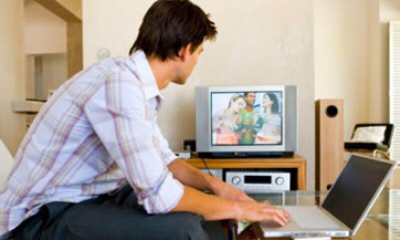 Los ingresos de las participantes de la televisión restringida alcanzaron los 46,372 mdp  al cierre del 2012 (Archivo)