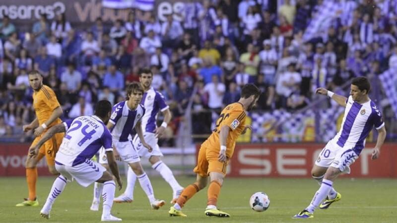 Los jugadores del Real Madrid no lograron aprovechar el partido pendiente y empataron ante Valladolid