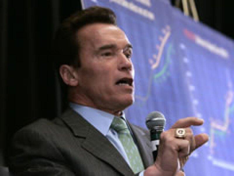 El gobierno de Arnold Schwarzenegger enfrenta un déficit de 42,000 millones de dólares.  (Foto: Archivo)