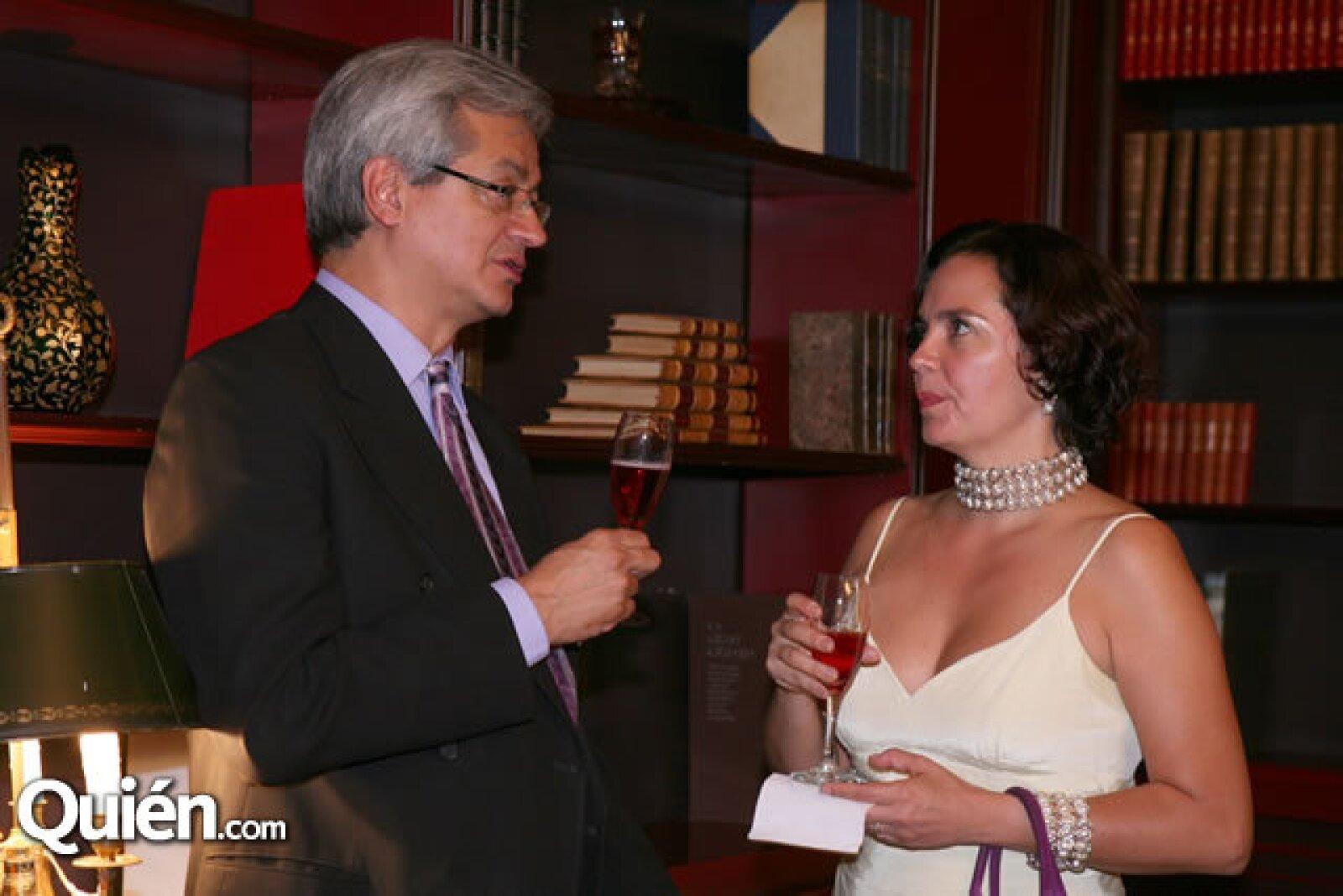 Eduardo Achach,Verónica González