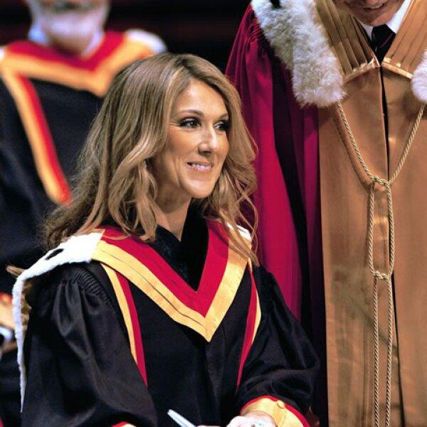 En 2008 Celine Dion segraduó de la Universidad Laval de Quebec.