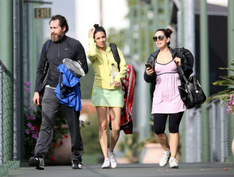 Demian Bichir, Olga Segura y Ana de la Reguera al finalizar su partido de tenis.
