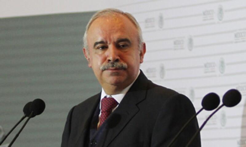 Las participantes en la primera licitación no tienen ninguna sanción, dijo Julián Olivas, titular de Función Pública. (Foto: Notimex )