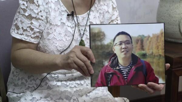 Familias acusan al gobierno chino de silenciarlas tras mal manejo de la epidemia