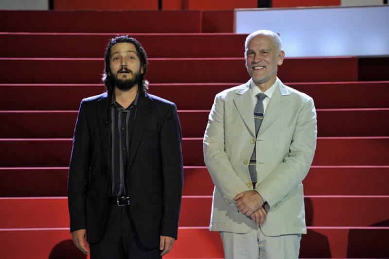 Diego Luna y John Malkovich hicieron una fructífera relación que acercó al director de cine y teatro con la cultura mexicana.