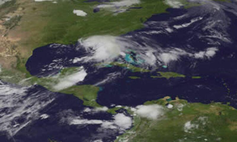 La tormenta tropical podría alcanzar la clasificación de huracán para el lunes. (Foto: Reuters)