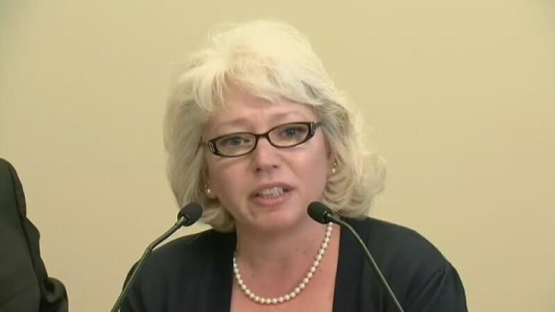 Debra Milke salió el lunes de la cárcel tras 22 años de estar en prisión; fue declarada incoente