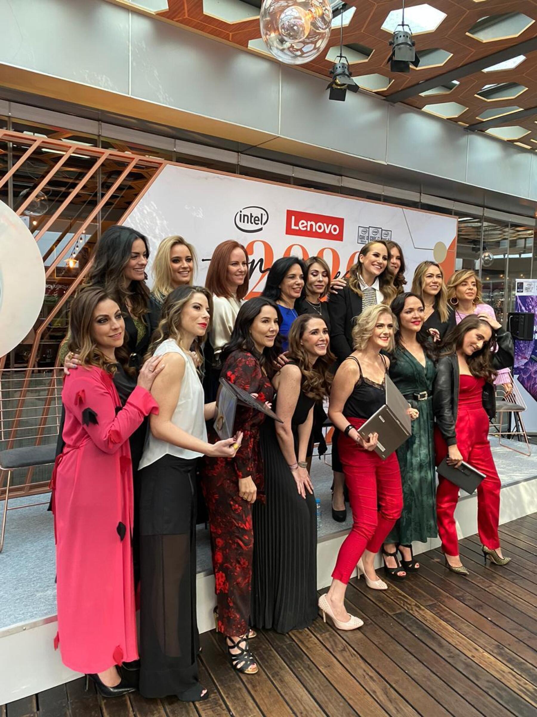 Mujeres Lenovo 2020 1