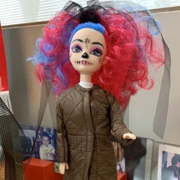 Recrean vestido de Beatriz Gutiérrez para una muñeca 14.jpg