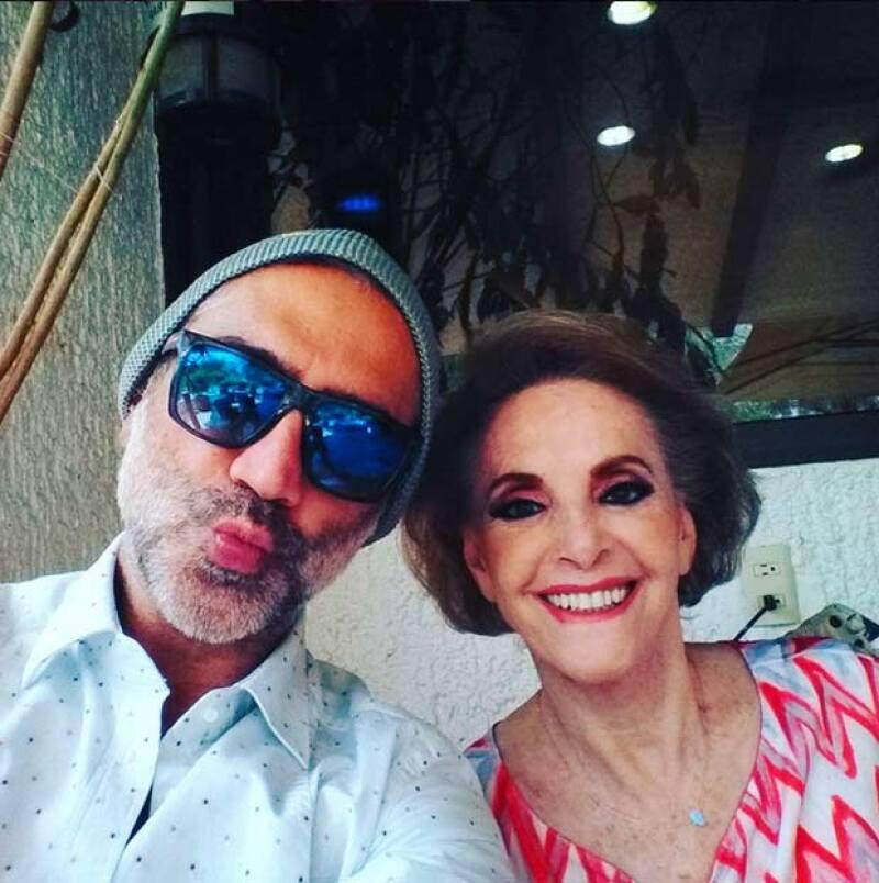 La mamá del Potrillo cumplió años y el cantante no perdió oportunidad para hacerle una linda dedicatoria en sus redes sociales.